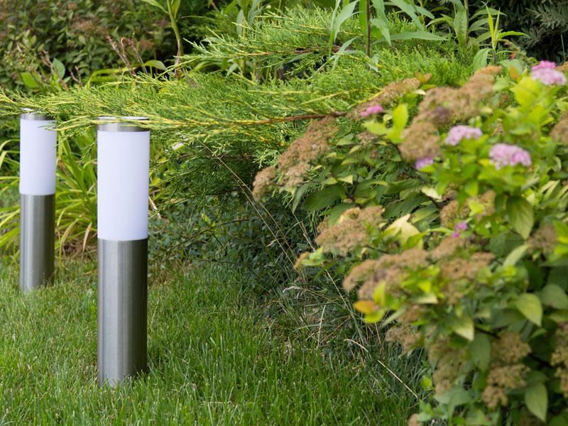 led landscape lighting installation